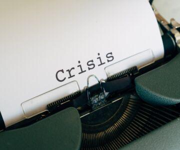 white paper on a vintage typewriter 4057659 1